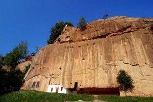 Manastirea Corbii de Piatra, Judetul Arges1